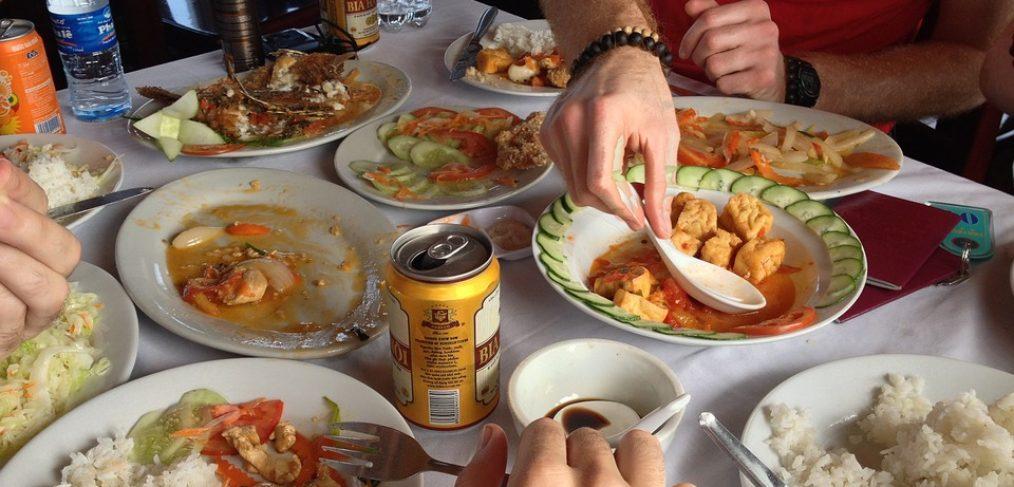 Comer despacio y en compañía